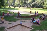 Dětské hřiště u řeky Nežárky